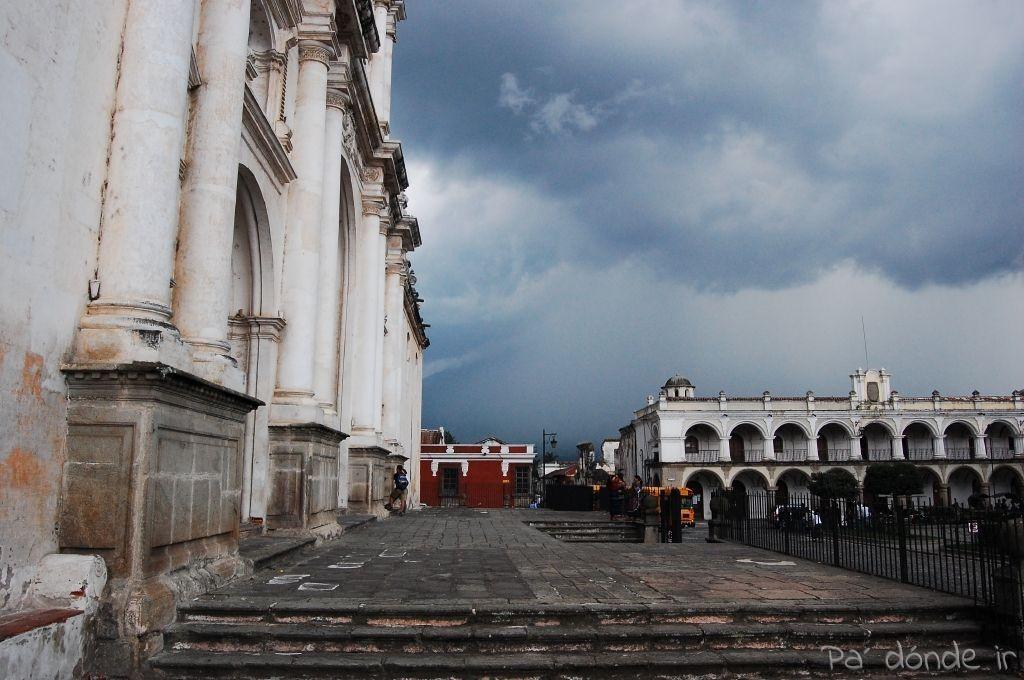 Plaza Mayor de Antigua