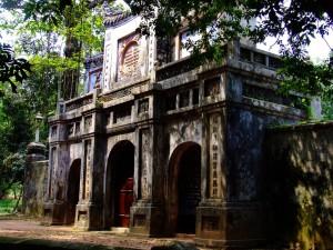 Templo cerca del centro de Hue
