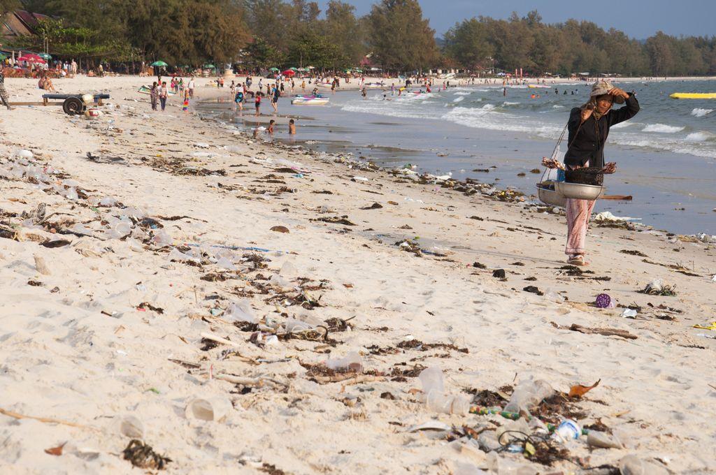 Basura en las playas de Sihanoukville