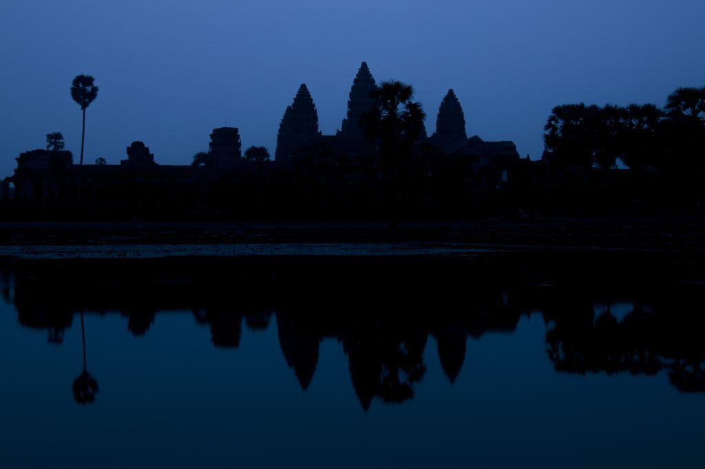 Amanecer en Angkor Wat 1