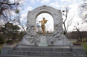 Estatua de Strauss en Stadtpark